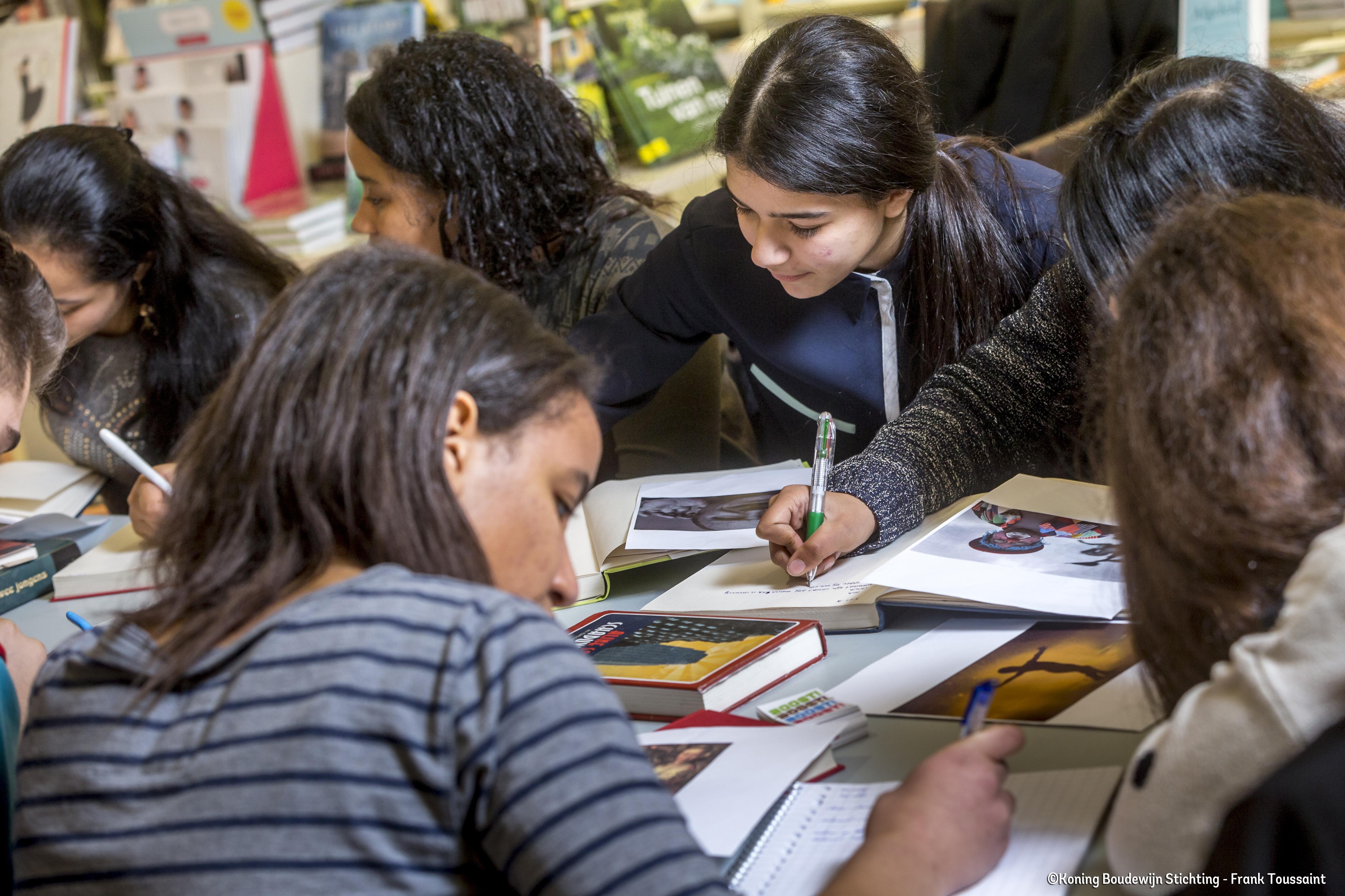 BOOST steunt Belgische jongeren uit kansarme gezinnen.