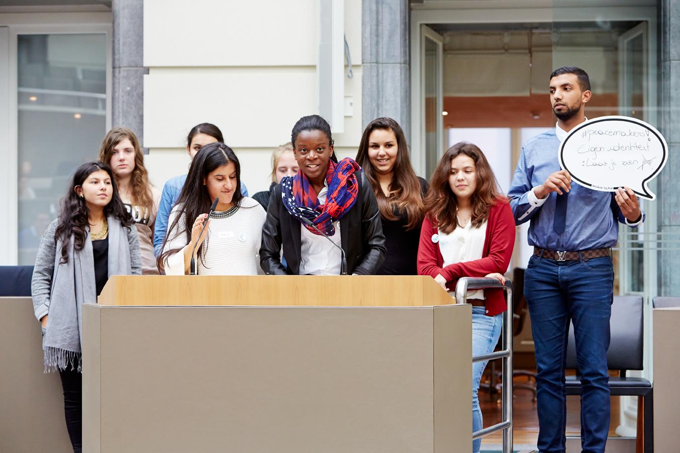 Op Zuiddag gaan jongeren in debat met elkaar over de rechten van jongeren.