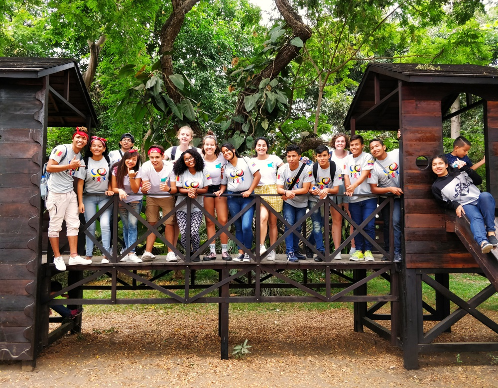 YOUCA-ambassadeurs en jongeren in Ecuador